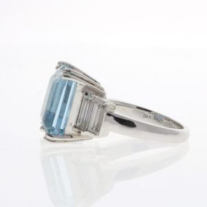 aquamarine ring in white gold